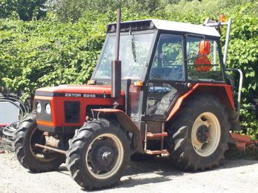 Traktor kolový ZETOR 6245